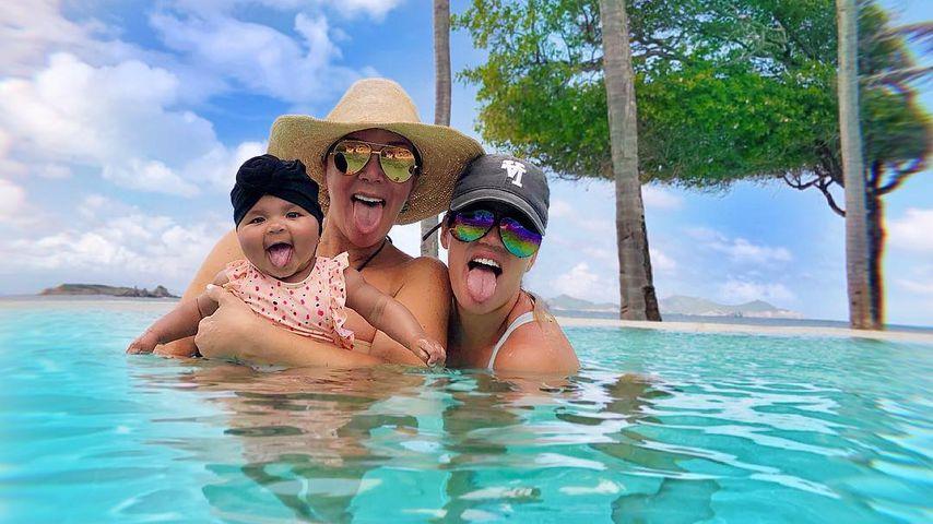 Planschen zu dritt: True, Oma Kris & Mama Khloe im Urlaub!