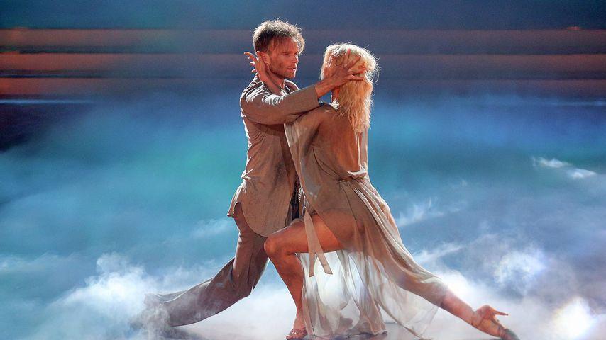 """Vadim Garbuzov and Kathrin Menzinger bei """"Let's Dance"""""""
