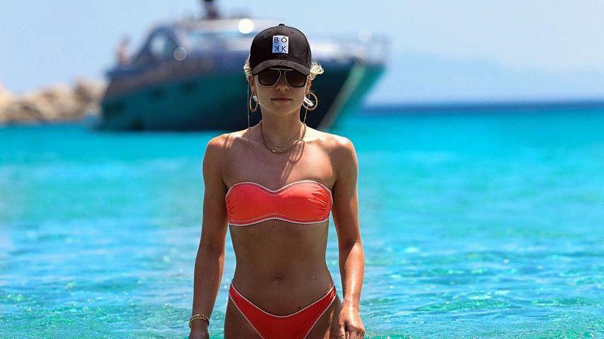 Interessant: Valentina trägt eine Kappe von Rúriks Modelabel