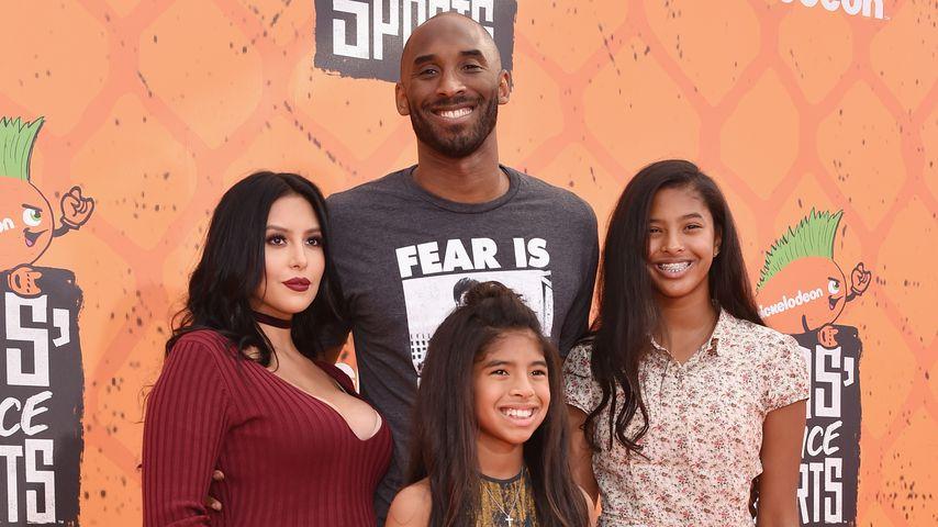 Vanessa Bryant mit ihrem Mann Kobe und den Töchtern Gianna und Natalia, Juli 2016