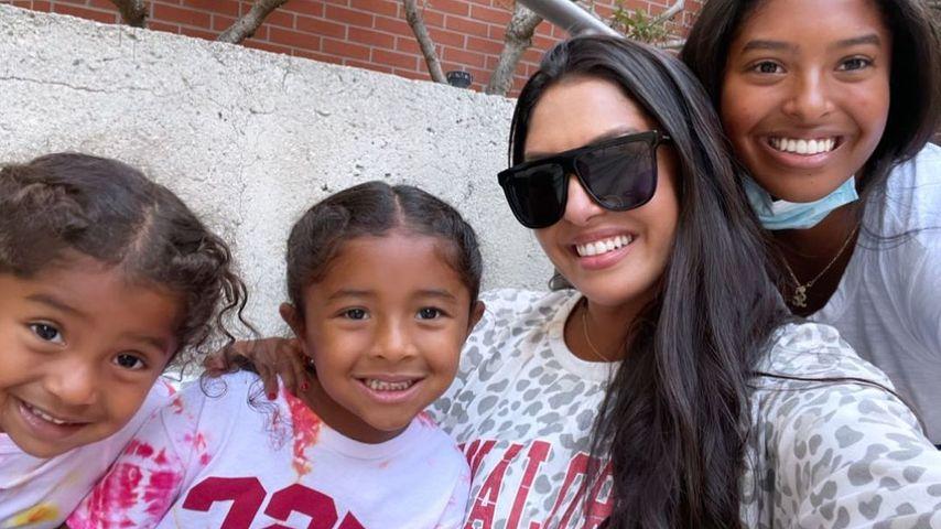 Vanessa Bryant und ihre Töchter Natalia, Capri und Bianka im August 2021
