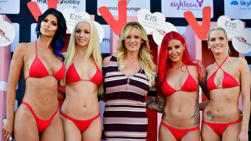 Venus-Gesichter Micaela Schäfer, Lucy Cat, Lexy Roxx und Schnuggie91 mit Stormy Daniels