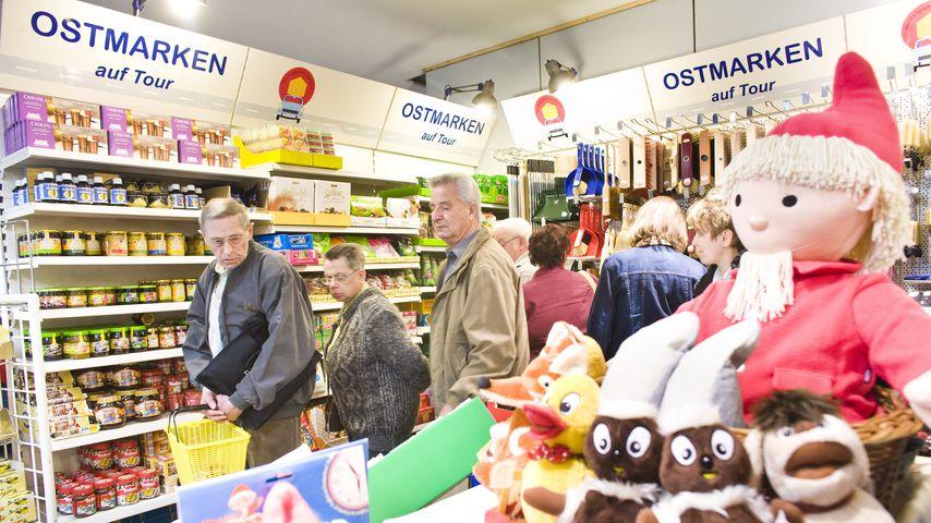 Verkaufsmesse für Ostprodukte im Velodrom in Berlin