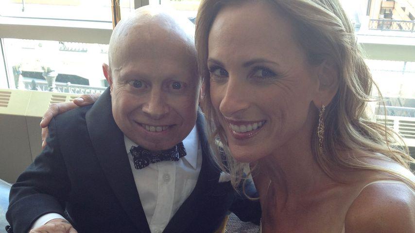 Verne Troyer und Marlee Matlin