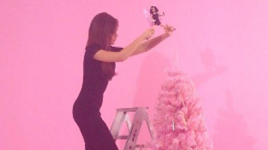 Welcher Star feiert hier denn mit Barbie X-mas?