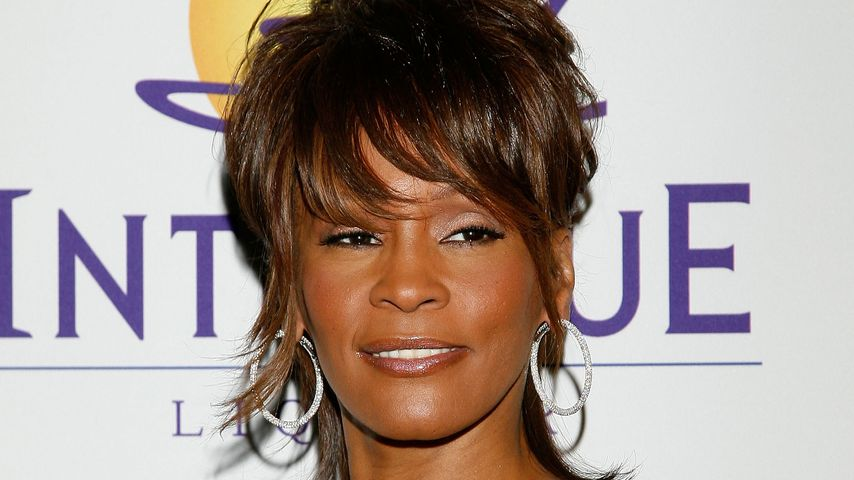 Whitney Houston bei einer Pre-Grammy Party