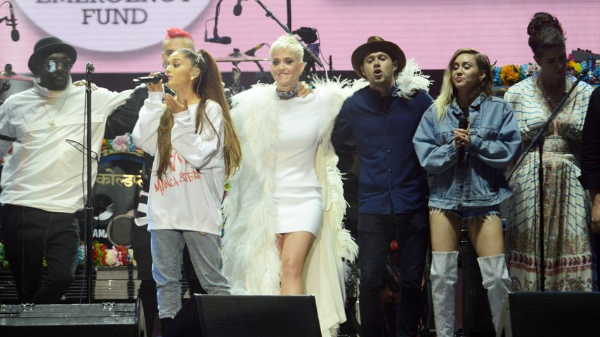Parodie! Paris Hilton gibt sich als Miley Cyrus
