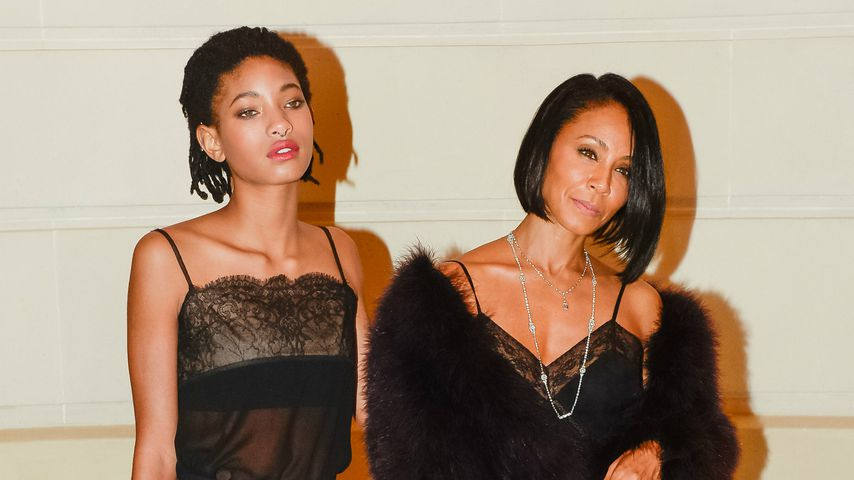 Willow Smith und Jada Pinkett-Smith auf einer Fashionshow in Paris