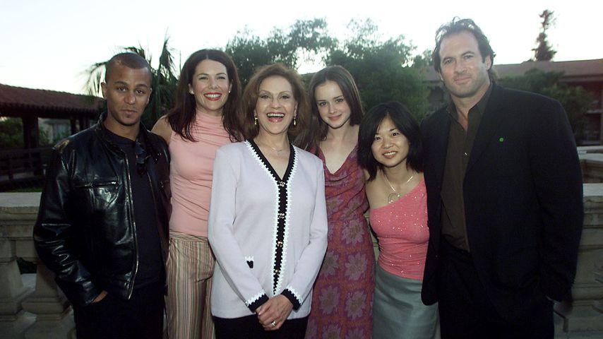 Yanic Truesdale, Lauren Graham, Kelly Bishop, Alexis Bledel, Keiko Agena und Scott Patterson, 2001