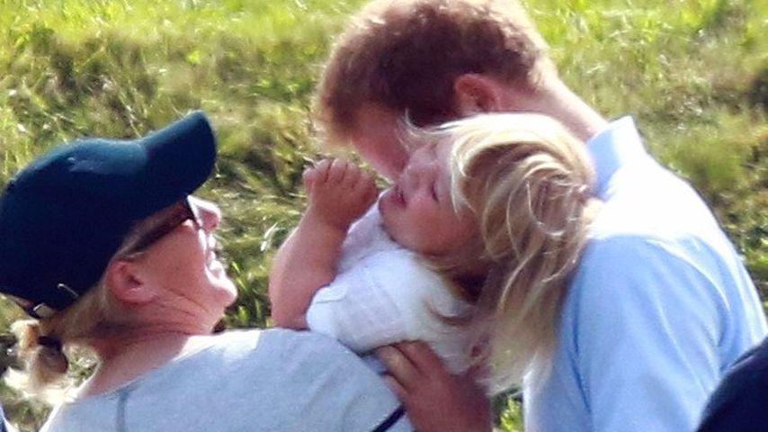 Zara Philips und Mia Tindall mit Prinz Harry bei einem Polo-Spiel von Prinz William