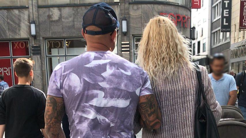 Zlatko mit einer blonden Unbekannten