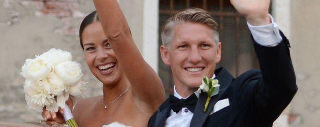 Ana und Bastian Schweinsteiger nach ihrer Hochzeit in Venedig