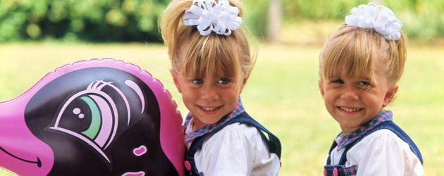 "Ashley und Mary-Kate Olsen am ""Full House""-Set als Michelle"