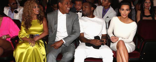 Beyoncé, Jay-Z, Kanye West und Kim Kardashian im Jahr 2012