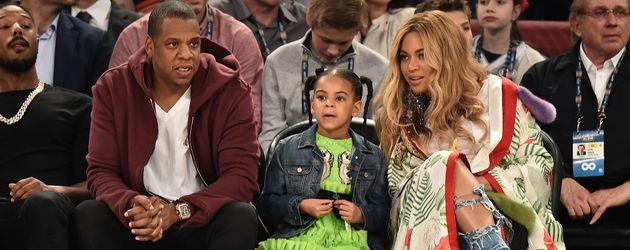 Beyoncé, Jay-Z und Blue Ivy Carter beim 66. NBA All-Star Spiel