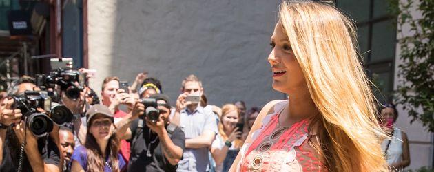 """Blake Lively schwanger auf dem Weg zur Premiere ihres Films """"Cafe Society"""""""