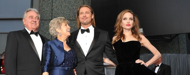 William und Jane Pitt, Brad Pitt und Angelina Jolie bei den Oscars 2012
