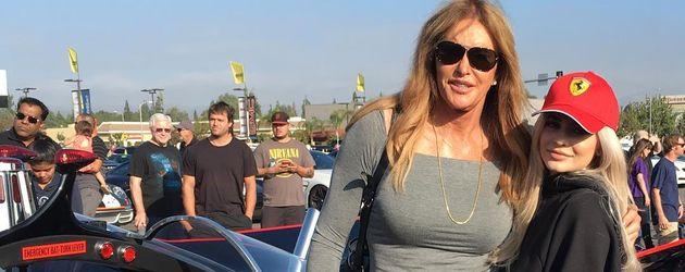 Caitlyn Jenner und Kylie Jenner bei einem Autorennen