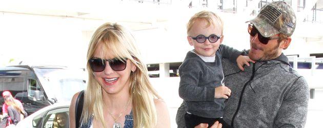 Chris Pratt, Anna Faris und Söhnchen Jack in Los Angeles am Flughafen