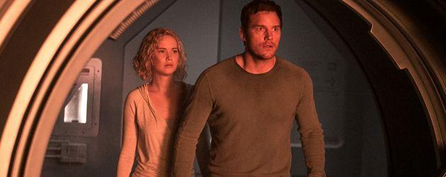 """Jennifer Lawrence und Chris Pratt 2016 in einer Szene aus dem gemeinsamen Film """"Passengers"""""""