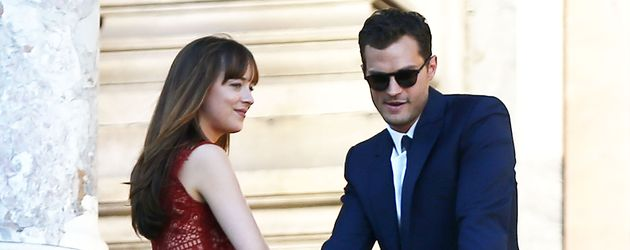 "Hauptdarsteller Dakota Johnson und Jamie Dornan am Filmset von ""Shades of Grey"""