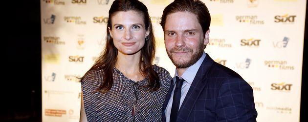 Daniel Brühl mit Freundin Felicitas Rombold beim Deutschen Empfang im Rahmen der 69. Internationalen