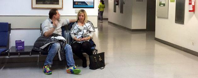 Daniela Karabas und Jens Büchner im Krankenhaus