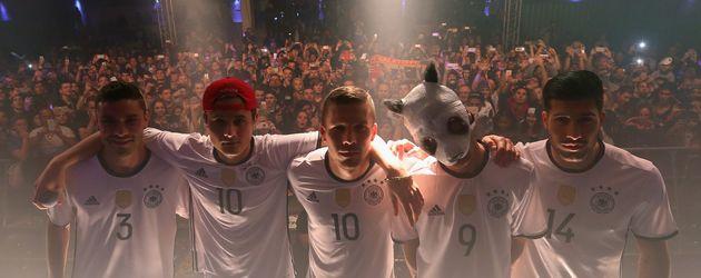 Lukas Podolski und Cro