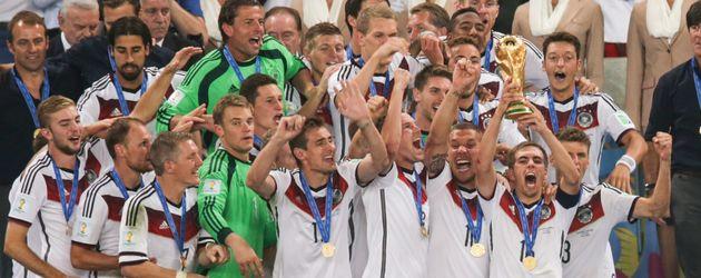 Manuel Neuer, Thomas Müller, Fußball-WM und Philipp Lahm