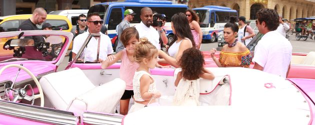 Kim Kardashian, Kanye West, Kourtney Kardashian, Penelope Disick und Mason Disick