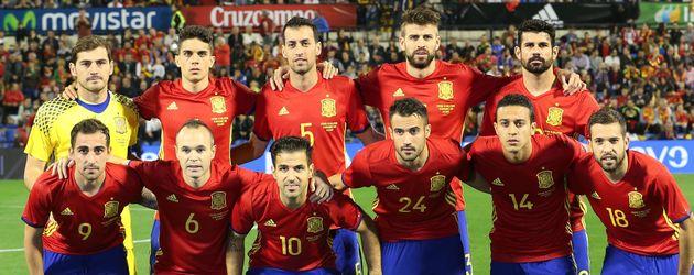Die spanische Nationalmannschaft vor ihrem Testspiel gegen England im November 2015