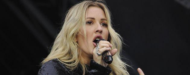 Ellie Goulding auf der Bühne des Glastonbury Festivals 2016