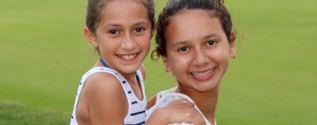 Emme Maribel Muñiz und Natasha Alexander