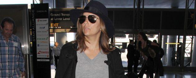 Eva Longoria am Flughafen von L.A.