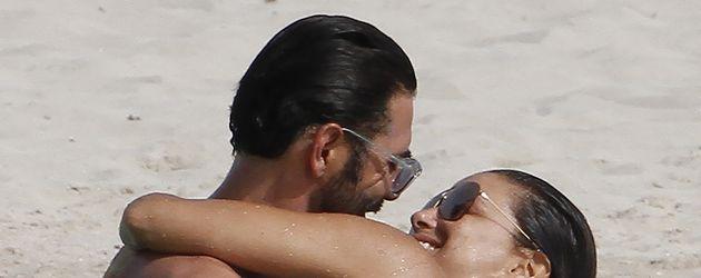 Eva Longoria und Ehemann Jose Baston urlauben am Mittelmeer
