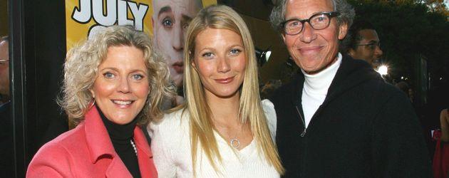 Gwyneth Paltrow (m.) mit ihren Eltern Blythe Danner und Bruce Paltrow