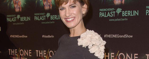 """Isabell Horn bei der """"The One""""-Premiere im Friedrichstadtpalast in Berlin"""