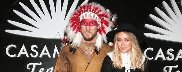 Jason Walsh und Hilary Duff auf der Casamigos Tequila Halloween Party