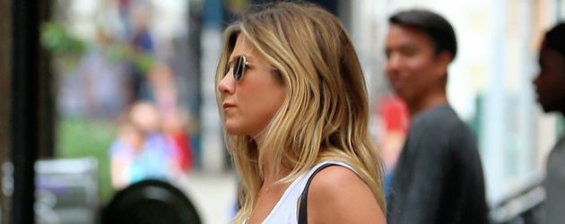 Jennifer Aniston in Manhattan