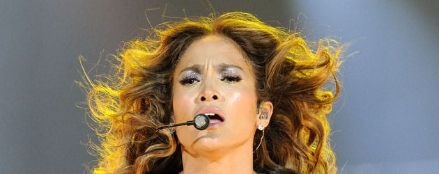 Jennifer Lopez im funkelnden Catsuit