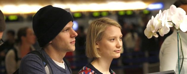 Jesse Eisenberg und Mia Wasikowska