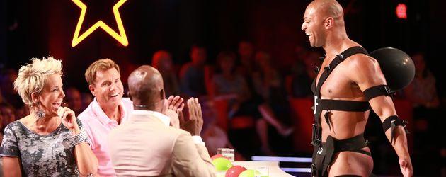 """Jesse Fischer beim """"Supertalent"""" 2015 mit der Jury Inka Bause, Dieter Bohlen & Bruce Darnell"""