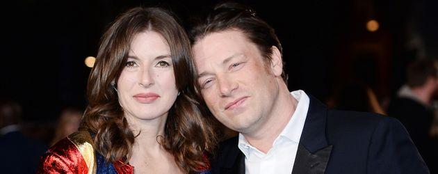 """Jools und Jamie Oliver bei der Premiere des Films """"Eddie the Eagle"""" in London"""