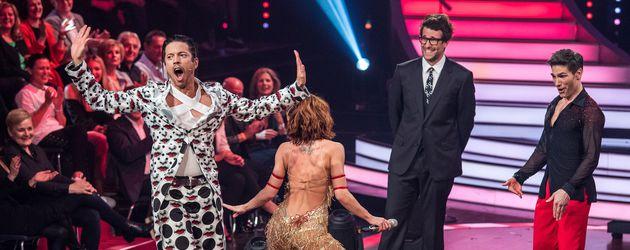 "Jorge Gonzalez, Vanessa Mai, Daniel Hartwich und Christian Polanc bei ""Let's Dance"""