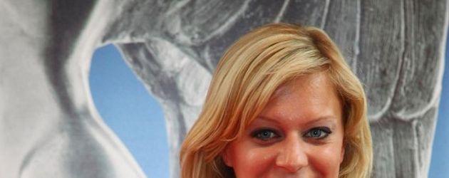 Juliette Menke von Alles was Zählt in weiß
