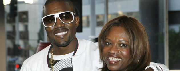 Kanye West und seine Mutter Donda West 2007 in Los Angeles