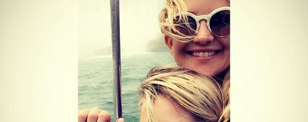 Kate Hudson mit Sohn Ryder bei den Niagarafällen
