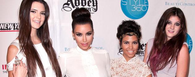 Kylie Jenner, Kim Kardashian, Kourtney Kardashian und Kendall Jenner