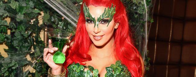 Kim Kardashian an Halloween 2011