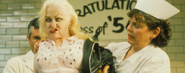 """Kim McGuire als Mona """"Killer-Face"""" Malnorowski"""